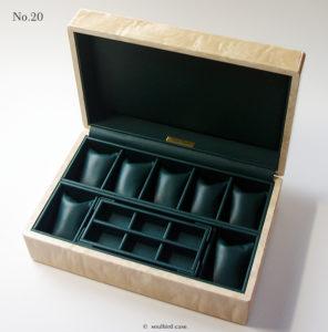 時計ケースの内装加工No.20
