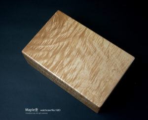 No.1683 10本用 ビックリーフメイプル時計ケース ¥158000
