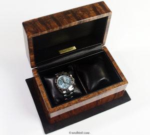 腕時計も一緒にブラックコア無垢材の高級時計ケース