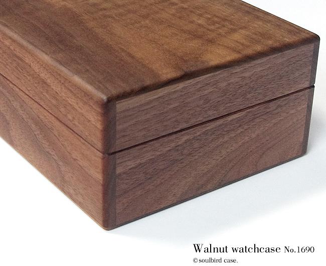 watchcase_1690