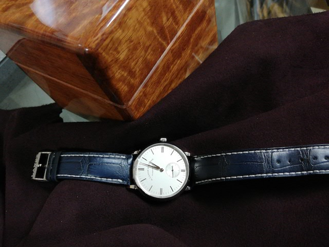 soulbird 紫檀材の時計ケースとランゲ