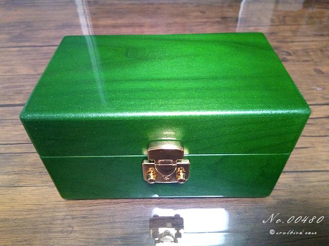 グリーンメタリックカラー 時計ケース