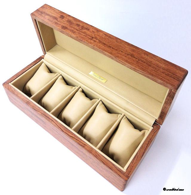 ブビンガ材時計ケース内装フランスラムレザーベージュ