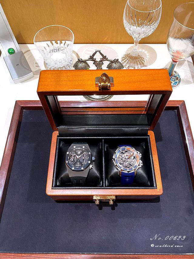 内装張替後2本仕様時計ケース