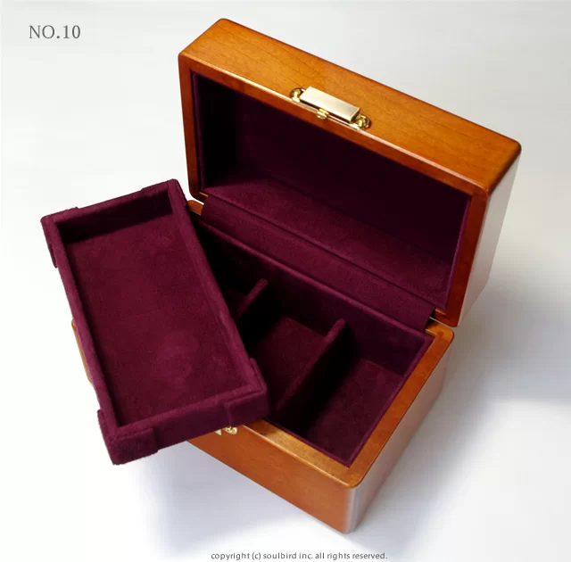 ソウルバードの時計ケースの内装加工No.10