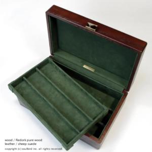 ソウルバードの時計ケースの内装加工No.19