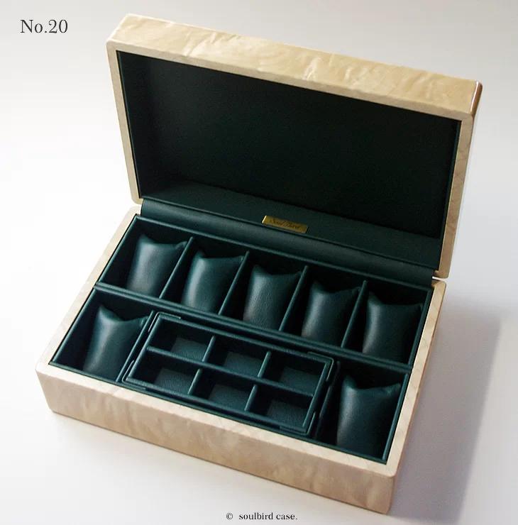ソウルバードの時計ケースの内装加工No.20