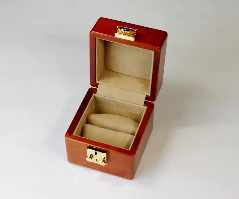 ソウルバードの時計ケースの内装加工No.32