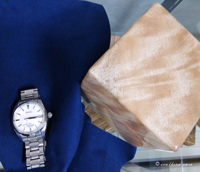 GSとマンゴー時計ケースと地中海放牧ゴード